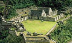 Centro Arqueológico de Choquequirao. A este lugar se llega a través de una camina de 4 o 5 días entre la ida y vuelta.