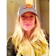 """Kristin Cavallari Kristin Cavallari is a natural beauty! The doting wife supports her hubby, Jay Cutler, before his big game by rocking a Chicago Bears hat and flaunting a fresh face. """"Go Bears the shoe designer posted on Oct. Celebrity Selfies, Celebrity Look, Celebrity News, Kristin Cavallari, Jay Cutler, The Beauty Department, Celebrity Gallery, Without Makeup, Fresh Face"""
