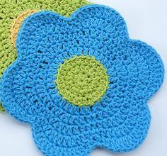 Flower Power Dishcloth By Doni Spiegle - Free Crochet Pattern - (whiskersandwool.blogspot)