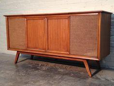 Penncrest vintage record player console am/fm radio ...