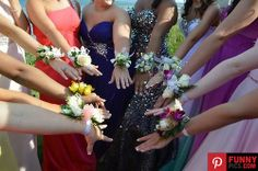 Love this prom picture idea