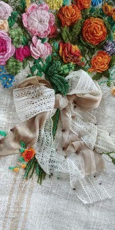 햄프린넨빅백 (분양완료)^ ~^ : 네이버 블로그 Embroidery Bags, Embroidery Stitches, Machine Embroidery, Embroidery Designs, Upcycled Textiles, Upcycled Clothing, Embroidered Roses, Diy Handbag, Handbag Patterns