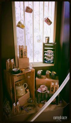 I don't drink coffee, I take tea my dear    - An Englishman in New York - Sting -    www.coffee-tasty.eu