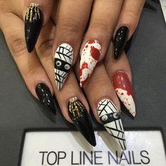 Halloween stiletto nails @KortenStEiN