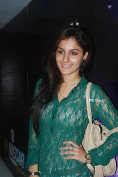Isha Talwar Height and Weight, Bra Size, Body Measurements India Beauty, Asian Beauty, Girl Pictures, Girl Photos, Desi Models, Stylish Girls Photos, Actress Pics, Indian Models, Height And Weight
