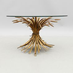 COFFE TABLE WITH A TWIST