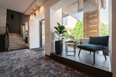 Zeit zum Ankommen - unser neuer Empfangsbereich Divider, Patio, Outdoor Decor, Room, Furniture, Home Decor, Front Desk, Bedroom, Decoration Home