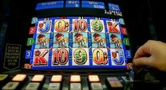 Free pokies online for fun players - with a real play option at famous online casinos that accept Australian players.