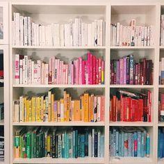 """Ja: ich habe eindeutig nichts zu lesen. Es ist tragisch. Habt ihr vielleicht ein paar Buch-Empfehlungen für mich? Ich bin heute Morgen um 2:30 Uhr mit """"Big Little Lies"""" von Liane Moriarty fertig geworden und es war wirklich ein unheimlich spannendes Buch. So spannend sogar dass ich behaupten würde dass ich jetzt ein bisschen ein ruhigeres Buch gebrauchen könnte. Also gerne her mit euren Tipps für eine entspannte Lektüre."""
