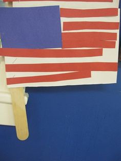 Hold your flag up high…cute craft for kids!!  http://www.teachpreschool.org/2011/07/happy-fourth-of-july/#