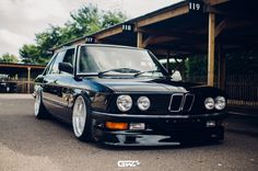 Classic Car News Pics And Videos From Around The World E28 Bmw, Bmw 318i, Bmw Old, Bmw Classic Cars, Bmw Parts, Bmw 5 Series, Muscle, Hot Cars, Motor Car
