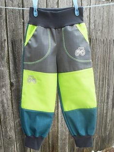 Jarní+soft+kalhoty,šedá,limetka,petrolej+Softshelové+kalhoty+jsou+úžasné+do+školy+či+školky,ze+spodní+strany+je+úplet.Lze+prát+do+40+°C,na+více+stupnů+se+materiál+rozlepí!!!+Využijete+na+jaro,léto,podzim.Příjemný+měkký+materiiál.+Voděodolnost:+10.000+mm+vodního+sloupce+Prodyšnost:+3.000+g/m2+Nepoužívat+aviváž+Pas+a+nohavice+zakončeny+pružným+nápletem,v+pase...