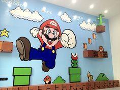 Murales 3D Mario Bros.Come riempire un parete di quasi 10 mq? Semplice.... ci piazzi un bel murales. E se il committente è un negozio di videogames, scegliere il soggetto da rappresentare è ancora più facile. Ma realizzare un dipinto murale dedicato a Ma…