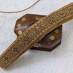 Saree Belt, Saree With Belt, Saree Tassels Designs, Blouse Designs Silk, Aari Embroidery, Embroidery Neck Designs, Zardosi Work Blouse, Waist Belts, Hand Work Blouse Design