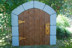 """The """" Door Knob """" entrance door to wonderland prop. Designed and created by WONDERLAND PARTY PROPS Prop rental and event decorating services ( 661 ) 250-8164 Facebook http://www.facebook.com/pages/Wonderland-Party-Props/159537750764498"""