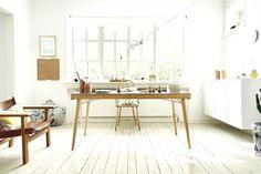 Salah satu pengetahuan dasar yang wajib diketahui dalam mendekorasi ruangan adalah pemilihan warna. Karena Anda ingin mengecat sebuah ruang kantor, tentu ada baiknya Anda harus memilih warna-warna yang bisa membuat Anda tetap fokus dan bekerja dengan nyaman.    #desainkantor #ruangkantor