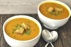 Soupe de légumes express au thermomix. Voici une recette de soupe de légumes rapide et facile à préparer à l'aide de votre robot thermomix.