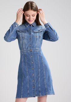42a334954a 70S DRESS - Jeanskleid - high stake blue   Zalando.at 🛒