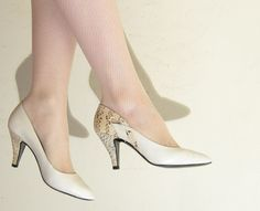 Vintage 1980s Leather and Faux Snakskin Pumps / 80s Off White Ivory High Heels / 6 1/2 by BasyaBerkman on Etsy