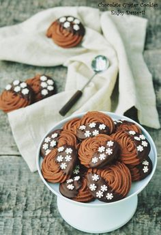 Romanian Desserts, Galletas Cookies, Sweet Pastries, Biscuit Cookies, Sweet Cakes, Bon Appetit, Biscotti, Food And Drink, Cooking Recipes