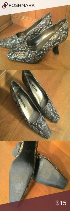 Nine West Snakeskin Heels Nine West 7.5 M Snakeskin fabric with shiny black sequins. Man-made sole, a few minor scuffs on heel, fabric and inner lining in great condition, some wear to outer soles. Nine West Shoes Heels