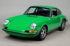 1973 Porsche 911 T - Click to see full-size photo viewer