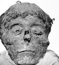 This post contains a lot of images of dead people. I've edited out the scarier ones, but it's not for the squeamish. Fairly recently, a very well qualified lady called Joann Fl…