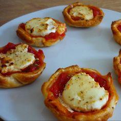 Tartaletas de tomate y queso de cabra