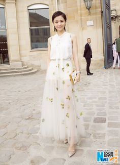 Wang Ziwen in Paris for fashion event | China Entertainment News