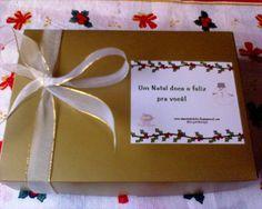 Personalize seus presentes com etiquetas com mensagens, deixando-os mais originais.