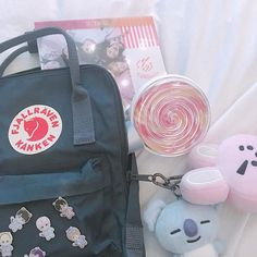 MY FAMILY 💕💫 — eventually my goal is to collect all 8 so im halfway finished ! ☺️ i think these are so cute :( and because i know… Source by dimakatsosekati aesthetic Aesthetic Backpack, Aesthetic Bags, Korean Aesthetic, Bts School, School Bags, Diy Backpack, Kanken Backpack, School Bag Essentials, Bts Bag