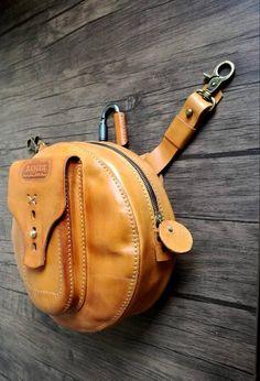 Fanny pack Leather belt bag Belt pouch Utility belt Festival   Etsy Stylish Handbags, Fashion Handbags, Fashion Bags, Women's Fashion, Leather Belt Bag, Leather Backpack, Leather Workshop, Leather Bags Handmade, Leather Craft