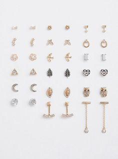 Dainty Diamond Earrings in Solid Gold / Chevron Earrings / V Stud Earrings / Delicate Diamond Studs / Graduation Gift - Fine Jewelry Ideas Diamond Studs, Diamond Jewelry, Gold Jewelry, Diamond Earrings, Women Jewelry, Vintage Jewellery, Jewellery Box, Diamond Pendant, Antique Jewelry