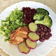 Clique na Imagem e tenha acesso a 290 Receitas Fit e Low Carb especialmente selecionadas para que você tenha refeições mais saudáveis de forma fácil e prática! #receitassaudáveis #refeitasfit #lowcarb #receitasdetox #shakesparaemagrecer #emagrecercomsaúde #receitasfitfáceis #alimentaçãosaudável #dietasaudável Healthy Meal Prep, Healthy Snacks, Healthy Eating, Healthy Recipes, Light Recipes, Clean Eating Recipes, Cooking Recipes, Nutrition, Food And Drink