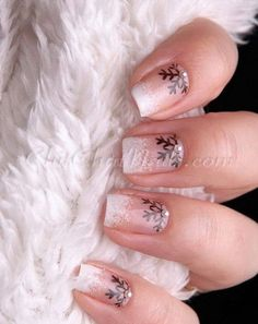Christmas nails xmas nails, easy christmas nail art, red christmas nails, c Holiday Nail Art, Christmas Nail Art Designs, Winter Nail Art, Winter Nails, Christmas Decorations, Winter Art, Winter Ideas, Fancy Nails, Cute Nails