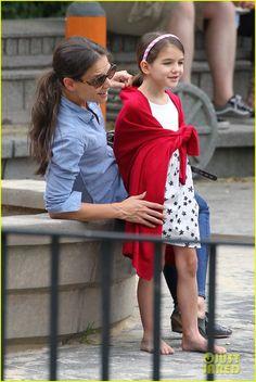 Suri Cruise: Katie Holmes' Little Red Riding Hood!