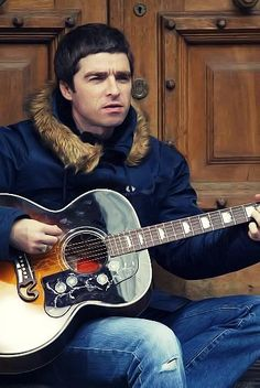 Noel Gallagher- little by little, in my opinion one of their more underrated songs. Gene Gallagher, Lennon Gallagher, Oasis Live, Oasis Uk, Let There Be Love, Oasis Band, Liam And Noel, Primal Scream, Britpop