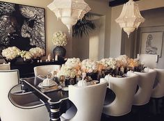 Wonderful Elegant Dining Room Design Ideas 35 image is part of 90 Wonderful Elegant Dining Room Design and Decorations Ideas gallery, you can read and see another amazing image 90 Wonderful Elegant Dining Room Design and Decorations Ideas on website Luxury Dining Room, Elegant Dining Room, Dining Room Design, Dining Rooms, Casa Da Khloe Kardashian, Kardashian Style, Dining Room Inspiration, My New Room, Sweet Home