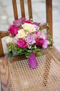 wedding bouquet, Brautstrauß, lila, lavender, flieder, pink, flowers - photo by Rebecca Conte