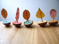 Leaves in Walnut Shells ~ A Modern Fable: nature play Projects For Kids, Diy For Kids, Crafts For Kids, Autumn Crafts, Nature Crafts, Art Crafts, Autumn Activities, Activities For Kids, Waldorf Crafts
