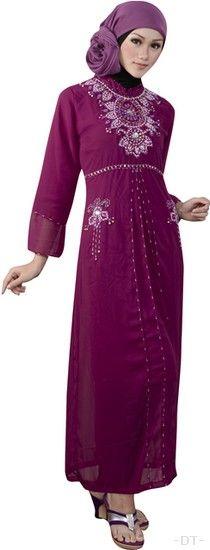 Baju WanitaTerkini Azzurra 342-15 adalah salah satu model baju gamis terbaru dari katalog azzurra bandung edisi 2014 2015. Baju Gamis ini terbuat dari bahan hicon yang nyaman dan adem saat digunakan
