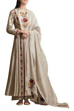 Buy Embroidered Anarkali Kurta and Palazzo Set by Sue Mue at Aza Fashions Dress Indian Style, Indian Dresses, Indian Outfits, Pakistani Dresses, Indian Wear, Embroidery Suits Punjabi, Embroidery Suits Design, Hand Embroidery, Kurta Designs Women