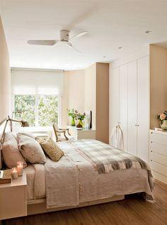 Consejos para la distribución de los muebles Small Master Bedroom, Dream Bedroom, Home Bedroom, Bedroom Decor, Bedroom Reading Chair, Beautiful Bedrooms, Home Decor Furniture, New Room, Home And Living