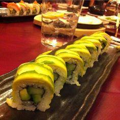 En #hanakura preparamos sushi vegano y vegetariano. Pregunta a nuestros camareros #Repost @beatelsko