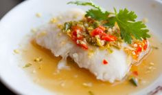 Thai steamed fish with chilli and lime dressed herb salad - Ilse Nel - The Gourmet Princess Herb Salad, Kaffir Lime, Peanut Oil, Lime Dressing, Coconut Rice, Fish Sauce, Fresh Lime Juice, Fish Recipes, Cocktail Recipes