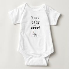Best Baby Gifts - everything around newborn gift giving Baby Congratulations Messages, Baby Baptism Gifts, Christening Gifts, Keep Calm Shirts, Safari Birthday Party, Thanksgiving Baby, Best Baby Gifts, Funny Slogans, Baby Games