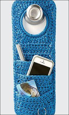 Crochet Diy Crochet World pattern: doorknob organizer. Crochet World, Crochet Diy, Crochet Home Decor, Love Crochet, Crochet Gifts, Ravelry Crochet, Crochet Storage, Diy Crochet Organizer, Sewing Pattern Storage
