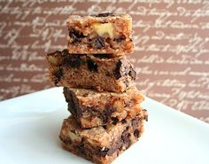 Walnut Blondies with Dark Chocolate Chunks (Low Carb and Gluten Free) | All Day I Dream About Food