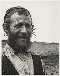 Roman Vishniac, Chaim Simcha Mechlowitz, farmer and tanner, Vysni Apsa, ca. 1935–38  ©Mara Vishniac Kohn, courtesy International Center of Photography