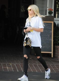 Sofia Richie Photos - Sofia Richie Grabs Lunch in Los Angeles - Zimbio